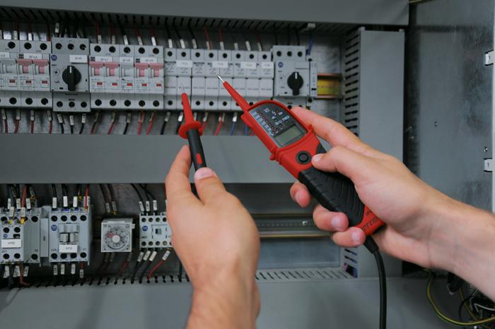 5081426 Voltage tester for 12 - 690 Volt